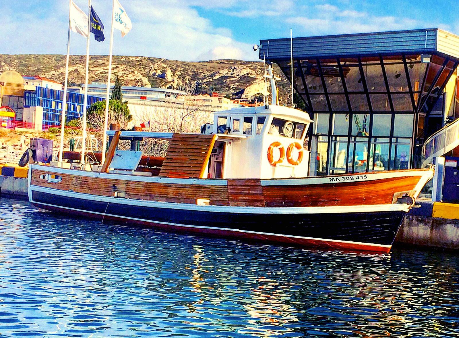 Location bateau marseille votre bateau au d part du - Promenade bateau marseille vieux port ...